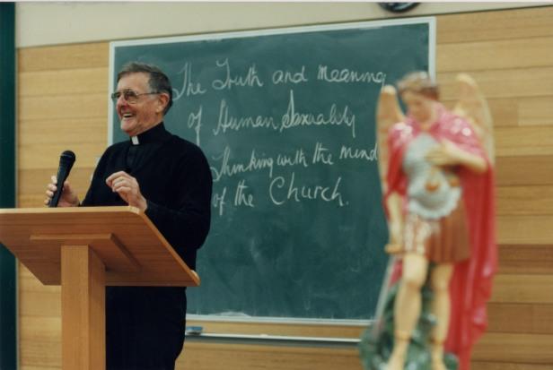Fr_Byrne005